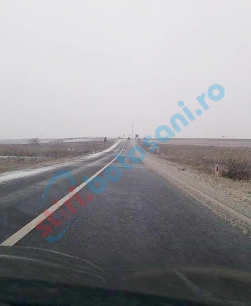 Intervenții ale drumarilor pe șoselele din județ, din cauza ninsorii!