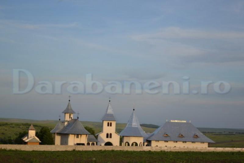 """Întreaga suflare creştină este aşteptată la sfinţirea Mănăstirii Eşanca """"Este un eveniment istoric"""""""
