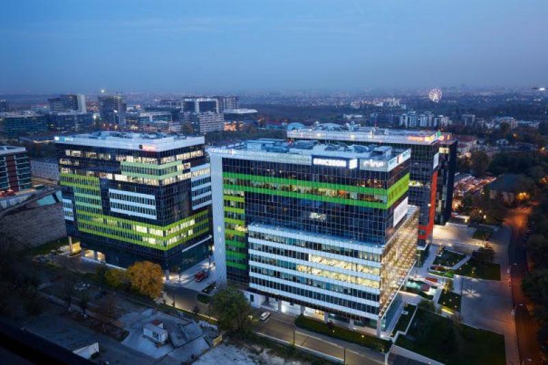 Investitorii imobiliari au cumpărat proprietăţi româneşti de aproape un miliard de euro în 2017