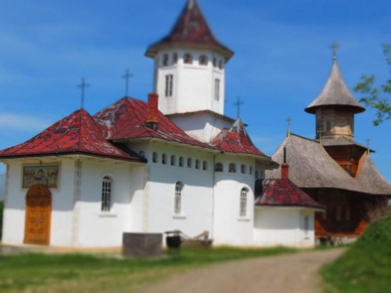 INVITAȚIE de weekend: Zosin - Bătrâna mănăstire și tinereţea unui stareţ chemat prea curând la Domnul! FOTO