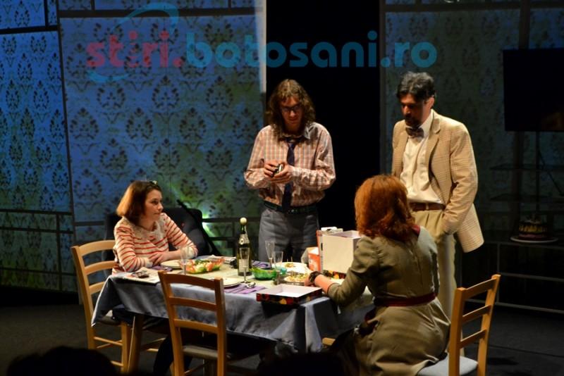 """Invitaţie la teatru: """"Aniversarea"""", în regia lui Erwin Şimşensohn"""