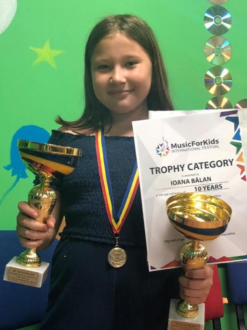 Ioana Balan, o voce a Botoșaniului care aduce numai trofee! FOTO