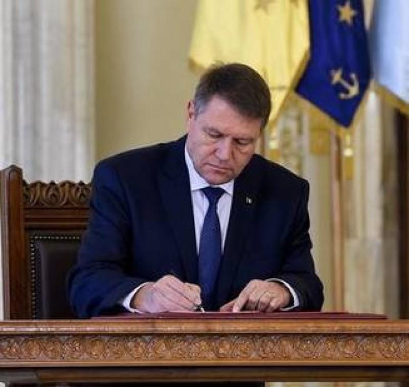 Iohannis a respins Legea privind ajutorul de stat pentru fermele de porci