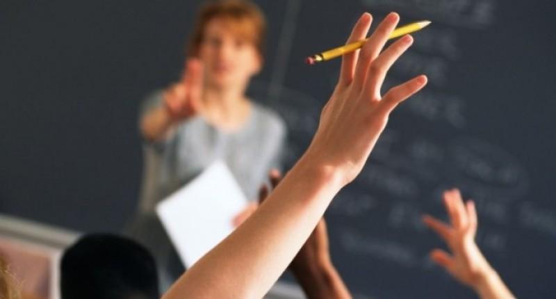 Iohannis: Nu stiu daca pensiile speciale pentru profesori sunt o solutie, ci salariile decente