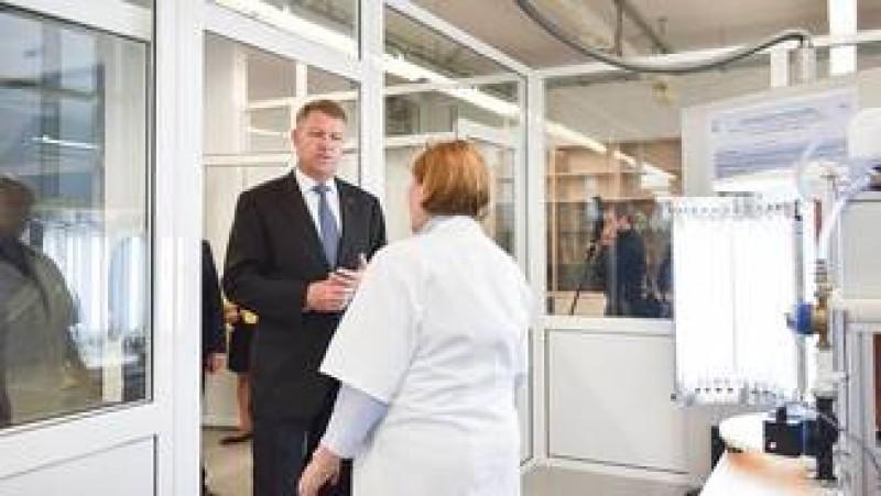 Iohannis respinge legea care le permitea managerilor de spitale sa fie membri de partid