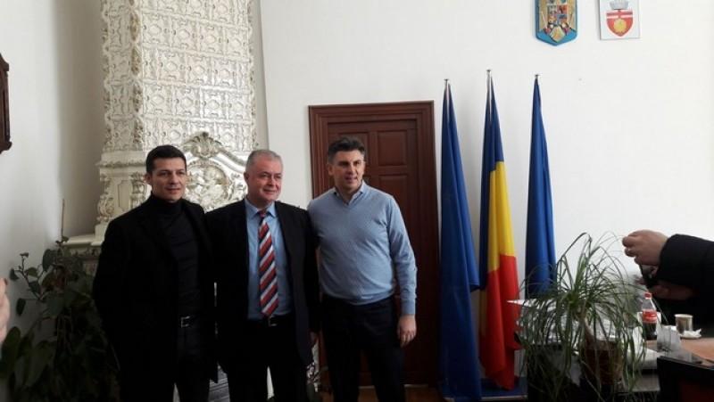 Ionuţ Lupescu şi Costel Gâlcă, în vizită la Botoşani, în campania de alegeri la FRF