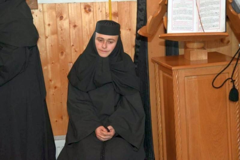 IPS Teofan a oficiat rânduiala de hirotesie a noii stareţe de la Mănăstirea Lebăda