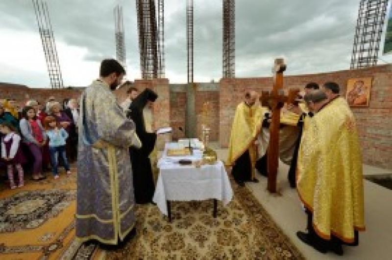"""IPS Teofan: """"Biserica este o scară către Cer"""""""