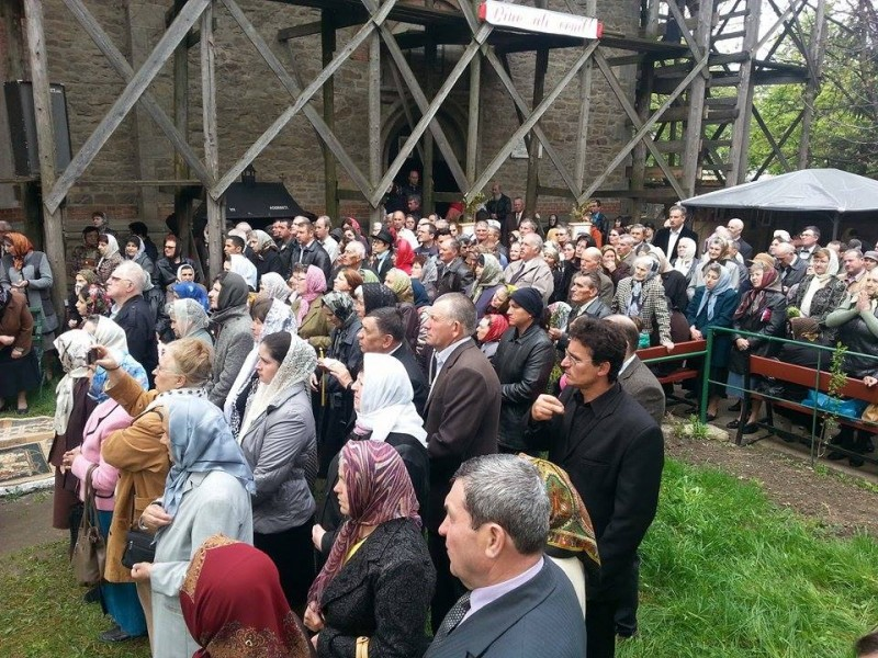 "IPS Teofan va oficia Sfanta Liturghie la hramul Bisericii ""Sf. Gheorghe"" din Botosani"