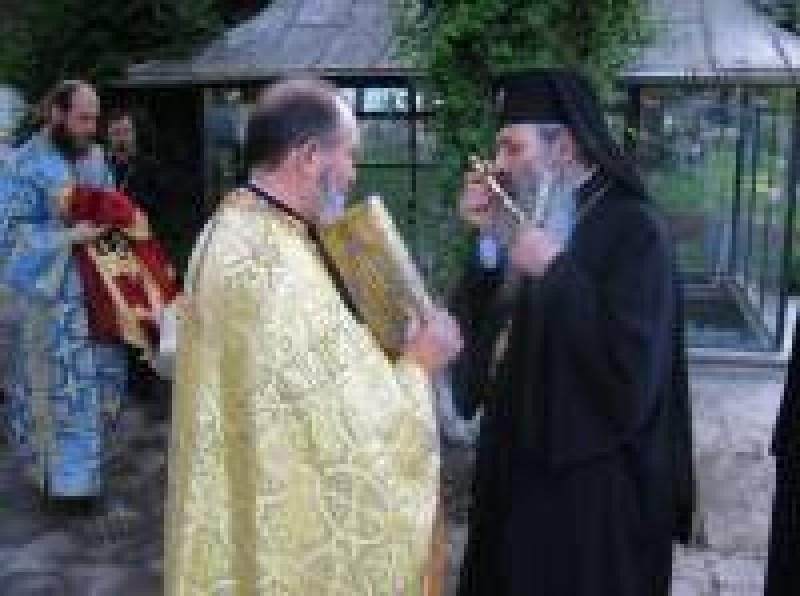 "IPS Teofan va resfinti Biserica ""Cuvioasa Parascheva"" din Botosani"