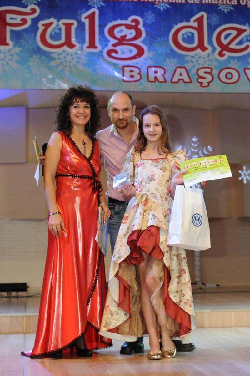 "Isabela Pamparau, premiata la Festivalul ""Fulg de nea"" de la Brasov - VIDEO"