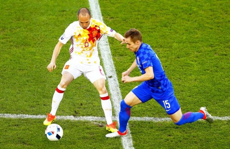 Islanda si Irlanda de Nord sunt surprizele din OPTIMI! Vezi programul meciurilor, in frunte cu Italia - Spania!
