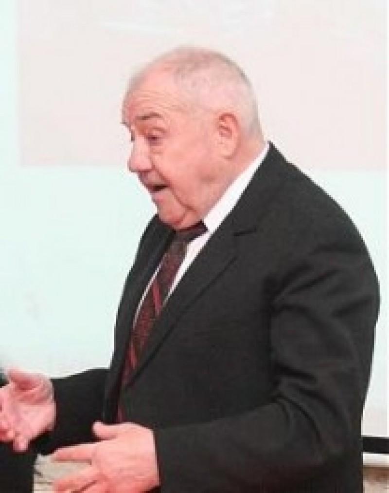 """Istoria Liceului """"Mihai Eminescu"""", de MIHAI MATEI"""