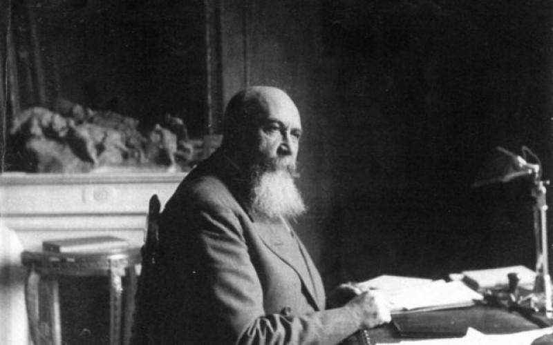 """Istorii mai puţin ştiute despre marele Nicolae Iorga. A debutat ca gazetar la ziarul """"Românu"""" condus de unchiul Arghiropol"""