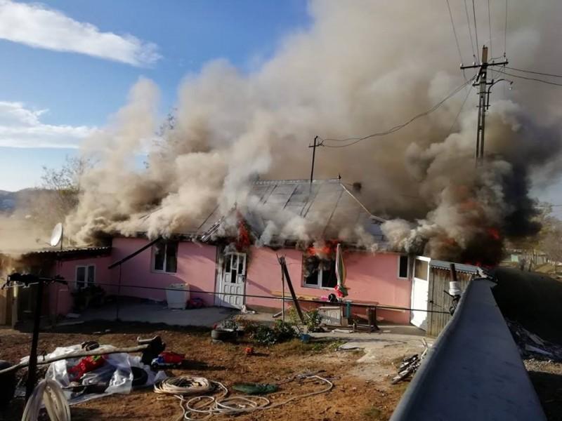 ISU Botoșani: Ai grijă de familia și casa ta! Respectă regulile de prevenire a unor situații de urgență!