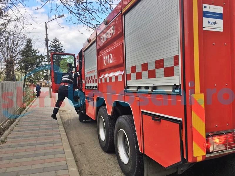 Incendii stinse de pompieri de Paști și zeci de intervenții SMURD