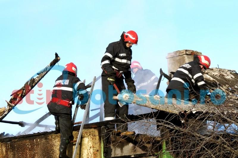Zece încendii în ultimele ore, la Botoșani!