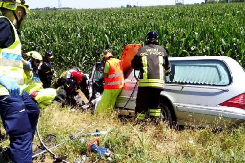 ITALIA: Mașina care transporta trupul neînsuflețit al unei românce, implicată într-un grav accident!
