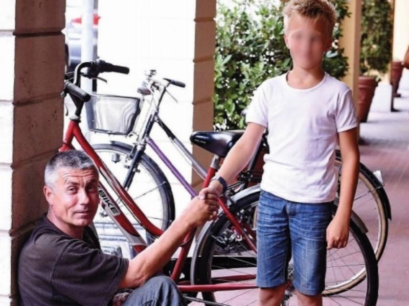 Italia: Un cerșetor român înapoiază banii primiți în dar de la un copil!