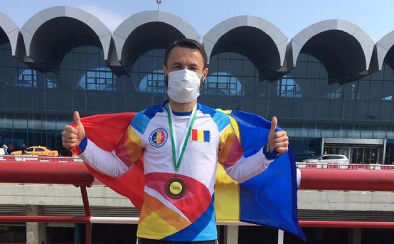 Iulian Rotariu, câștigătorul ultramaratonului Ultra Asia Race Vietnam care s-a întors în România: Stai acasă!