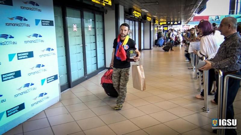 """Iulian Rotariu s-a întors în România, după câştigarea ultramaratonului """"The Track"""""""