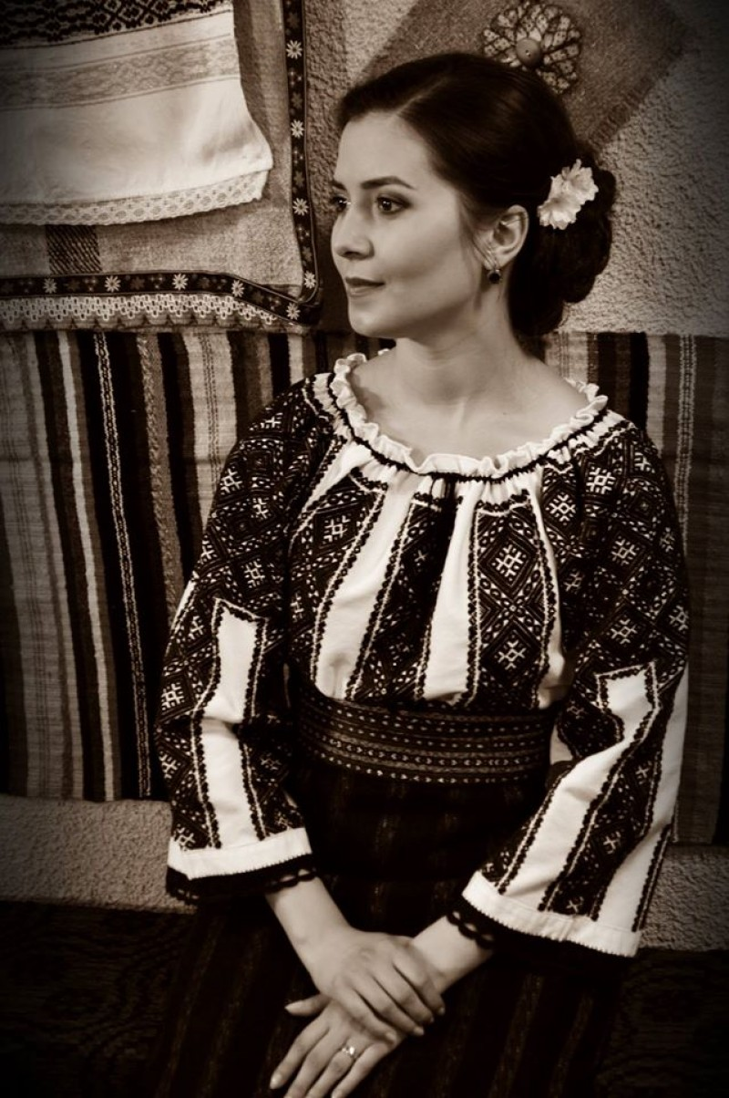 """IUSTINA IRIMIA: """"România mea are zile bune și zile mai puțin bune, are zâmbete și lacrimi, are glas și, câteodată, tăcere"""" FOTO, VIDEO"""