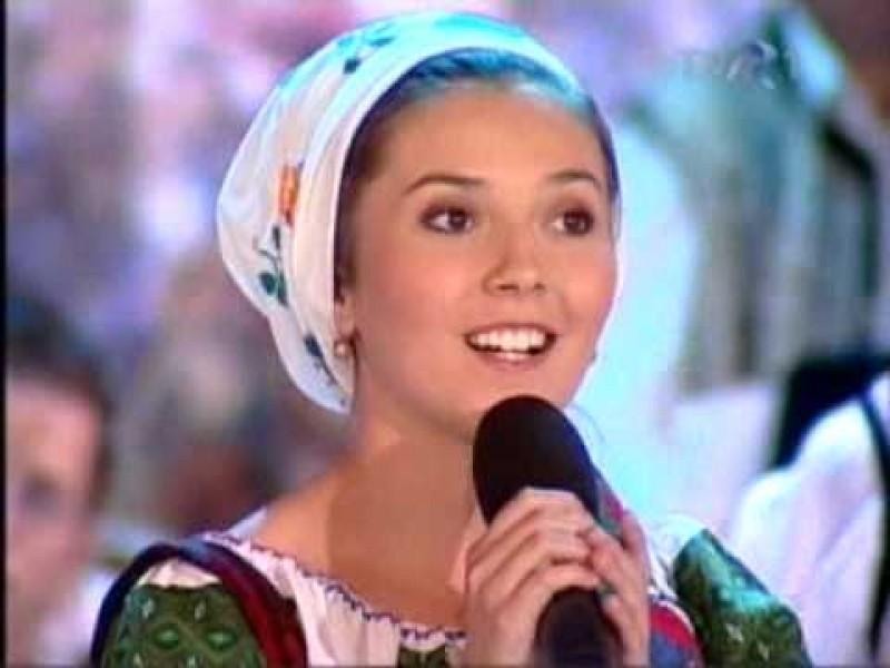IUSTINA IRIMIA - Zambetul muzicii tinere! - VIDEO