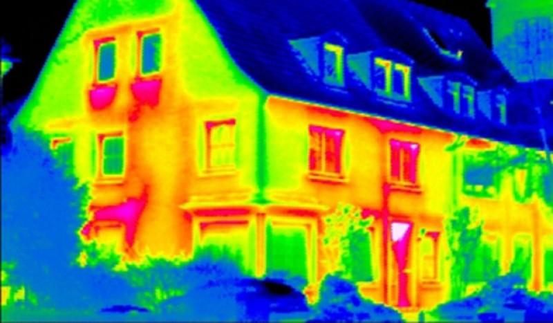 Izolația pereţilor locuinţei duce la cele mai mari pierderi de căldură dintr-un imobil!