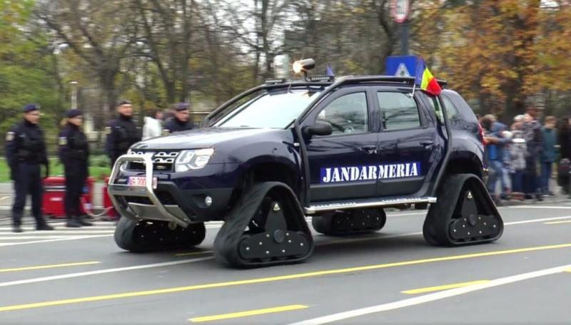 Jandarmeria Română s-a dotat cu modele Dacia Duster pe şenile! VIDEO
