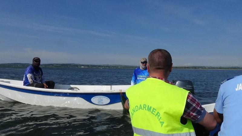 Jandarmii botoşăneni au încheiat campania de prevenire piscicolă. Urmează acţiuni punctuale