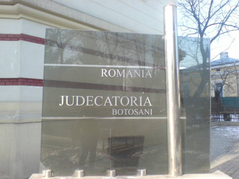 Judecător din Botoşani, eliberat din funcţie