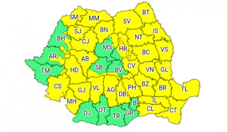 Județul Botoșani rămâne și vineri sub COD GALBEN de ploi și vijelii!