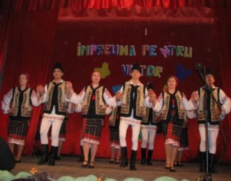 """Judetul Botosani, reprezentat la Concursul național de dans modern și tradițional """"Împreună pentru viitor"""""""