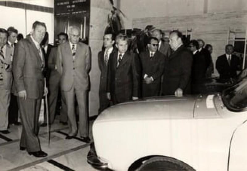 La 30 de ani de la Revoluție, Înalta Curte trebuie să stabilească ce se întâmplă cu libretele CEC cu câștiguri în mașini Dacia