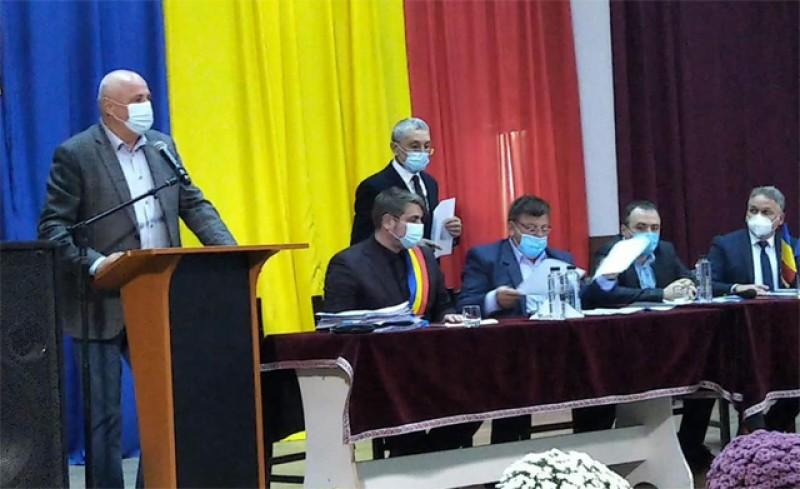 La Botoșani a început procedura de învestire a noilor aleși. Astăzi, la Darabani. Mâine se constituie Consiliul Județean