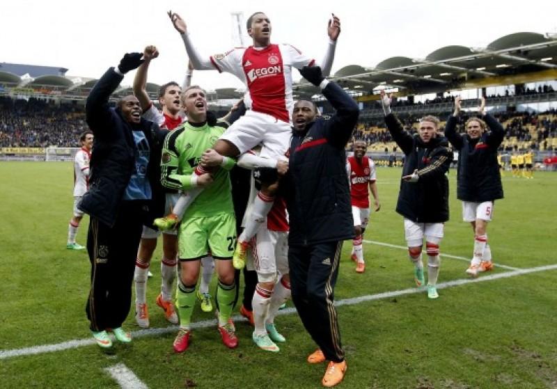 La ei se poate! Salvator la 17 ani: Riedewald a debutat la Ajax cu două goluri în 5 minute - VIDEO