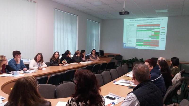 La Laurian elevii sunt învăţaţi să scrie proiecte pentru fonduri europene! FOTO