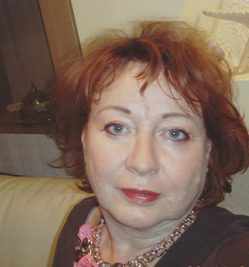 """La mulți ani, Elena Cardaș! """"Nu există facultate de făcut scriitori. Scrisul este un mister!"""""""