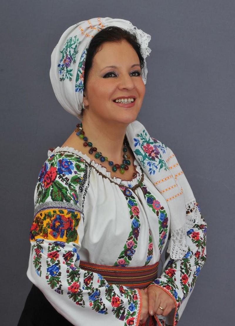 La mulți ani, ELENA MÂNDRESCU! - VIDEO