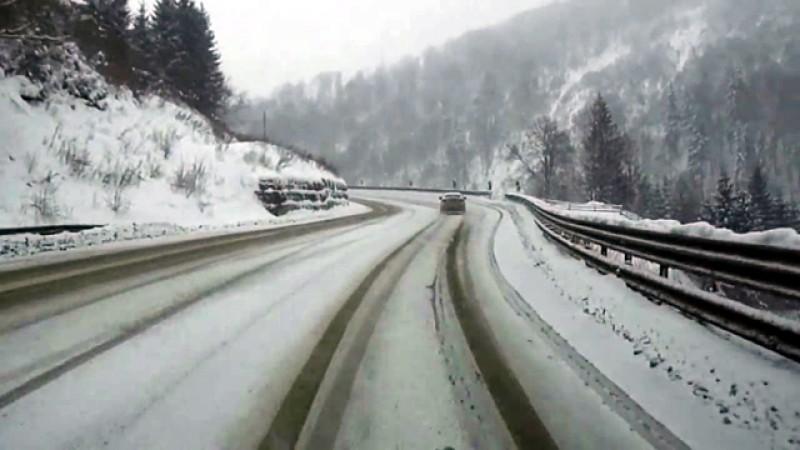 La munte ninge ca-n poveşti! Au început să se arate primele semne ale iernii