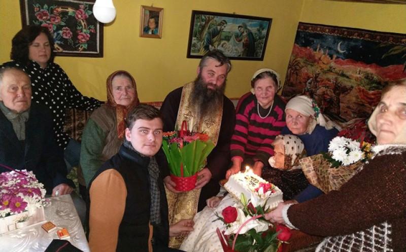 La Stăuceni, mătușa Saveta Nechifor a împlinit 100 de ani!