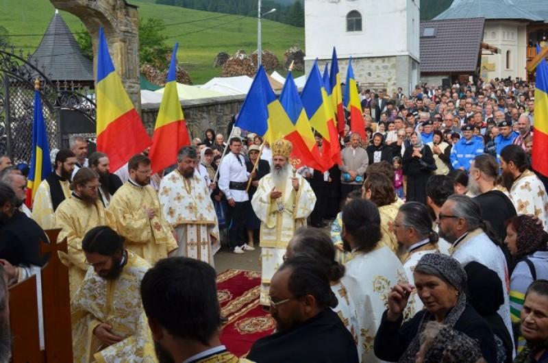 La un an de la trecerea sa în veşnicie: Părintele Justin înconjurat de inimile pelerinilor