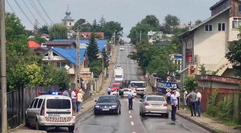 La Urgențe, după ce a fost lovit de două mașini!