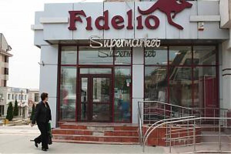 Lacăt pe magazinele Fidelio