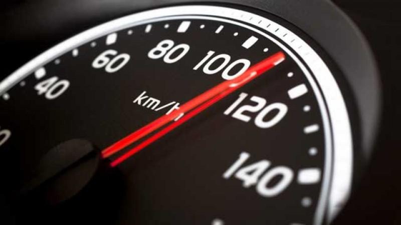 Lăsat fără permis după record de viteză pe o stradă din municipiul Botoșani: 109 km!