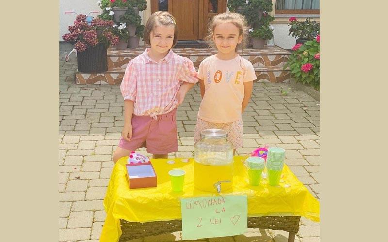 Lecție de umanitate oferită de două fetițe din Botoșani