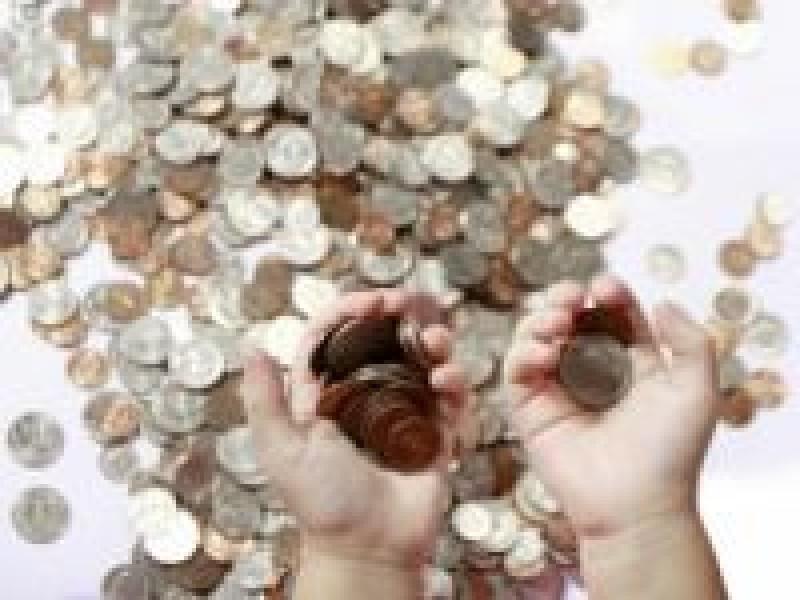 Legea falimentului personal nu mai intra in vigoare azi. Iohannis a retrimis-o in Parlament!
