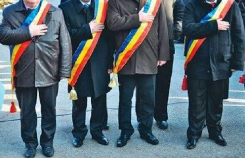 Legea salarizarii: Primarii si viceprimarii oraselor, indemnizatii marite cu 1.450 lei!