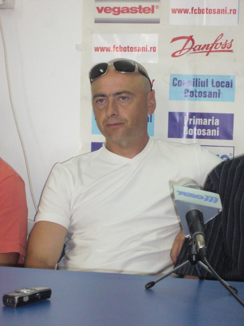 Leo Grozavu are mulţi adversari la Botoşani