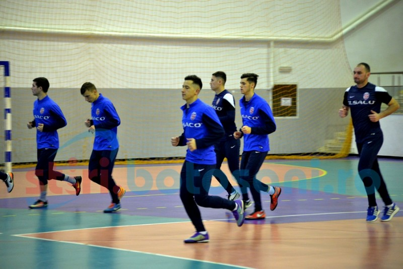 Leo Grozavu i-a antrenat pe jucatori in Sala Polivalenta! Urmeaza cinci meciuri amicale in Turcia! GALERIE FOTO